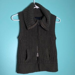 AEO sleeveless Cowl neck sweater vest Sz XS